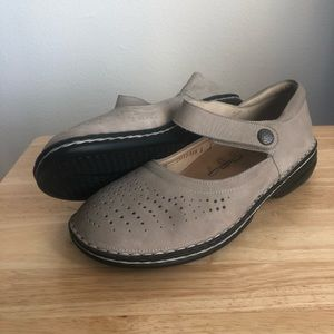 Finn Comfort Harumi Velcro Strap Closed Toe Sandal
